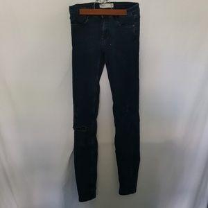ZARA Distressed Ripped Dark Wash Skinny Jean 6